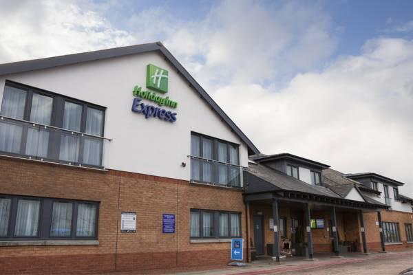 Holiday Inn Express Edinburgh Airport Edinburgh