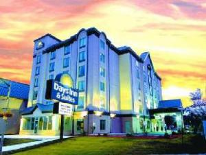 Tentang Days Inn & Suites - Niagara Falls, Centre St., By the Falls (Days Inn & Suites - Niagara Falls, Centre St., By the Falls)
