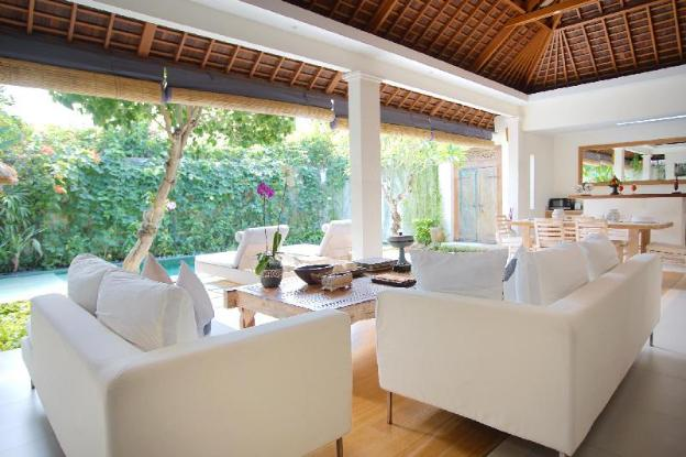 Beautiful Pool Deluxe Villa - Breakfast
