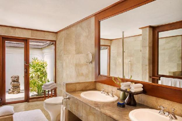 Lanai Room with Ocean of Love - Breakfast