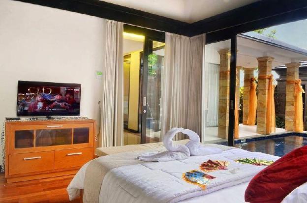 2BR Villa with Private Pool-Breakfast#KMV
