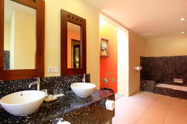 One BR Villa with Private Pool-Breakfast|TMJ