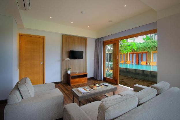 Kirana Penthouse-Breakfast|TKH