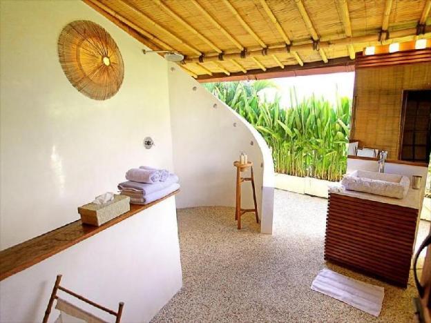 Two BR villa shared pool-Breakfast SVC