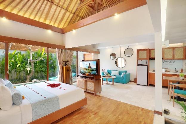 One BR Villa Private Pool&Hot tub-Breakfast AkV