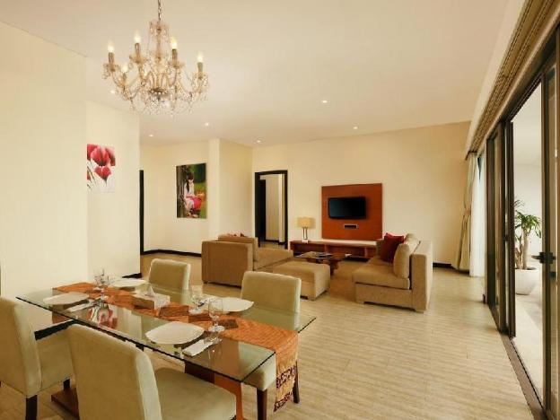 Two BR Suite with Private Pool-Breakfast|Lv8