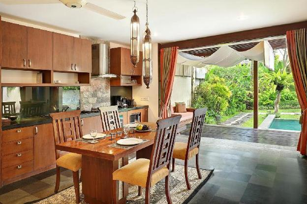 ThreeBR Villa with Private Pool + Garden+Breakfast
