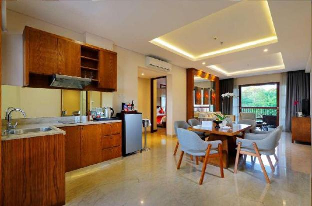 TwoBR Family Suite with Private Bathroom-Breakfast