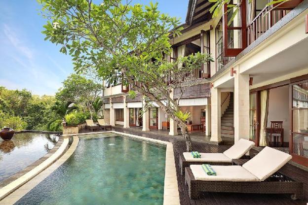 FourBR Villa with Private Pool + Kitchen+Breakfast