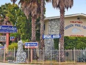 Surf City Inn & Suites