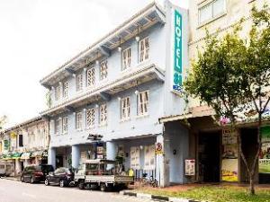 Hotel 81 Classic
