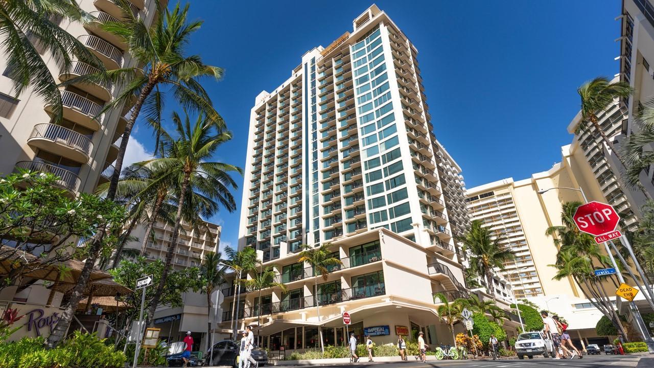 Staycation in Honolulu (HI)