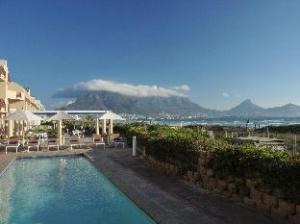 开普敦休闲湾滨海公寓 (Cape Town Beachfront Apartments at Leisure Bay)