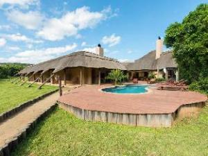 Mpongo Private Game Reserve Hotel