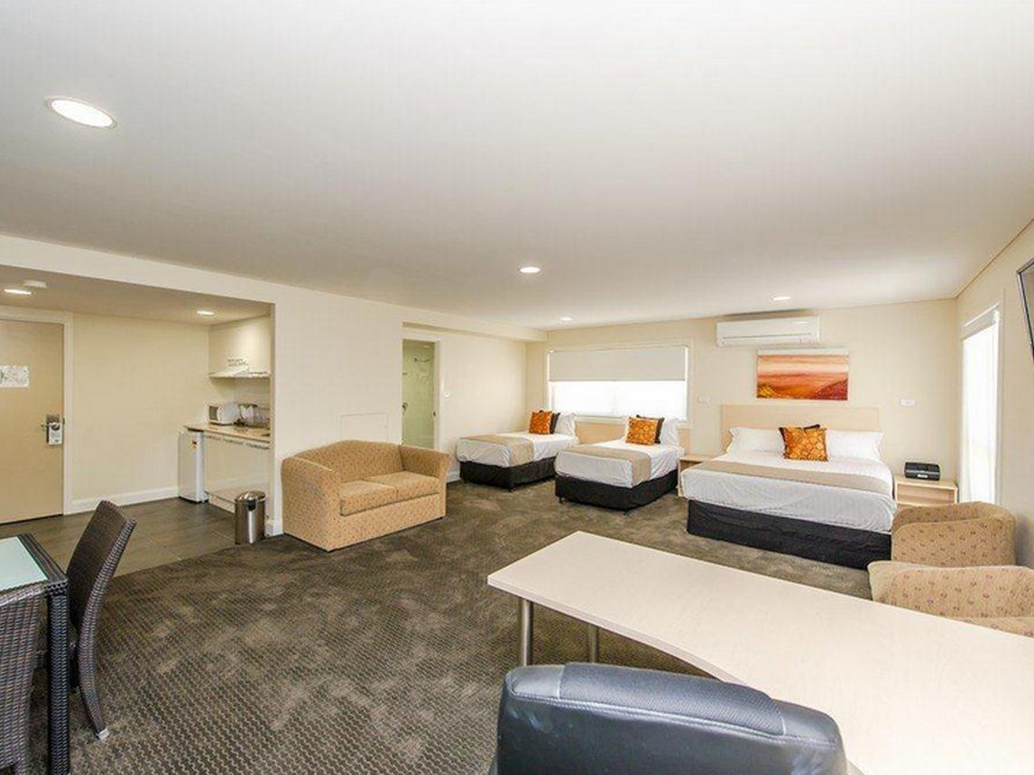 Reviews Belconnen Way Hotel & Serviced Apartments