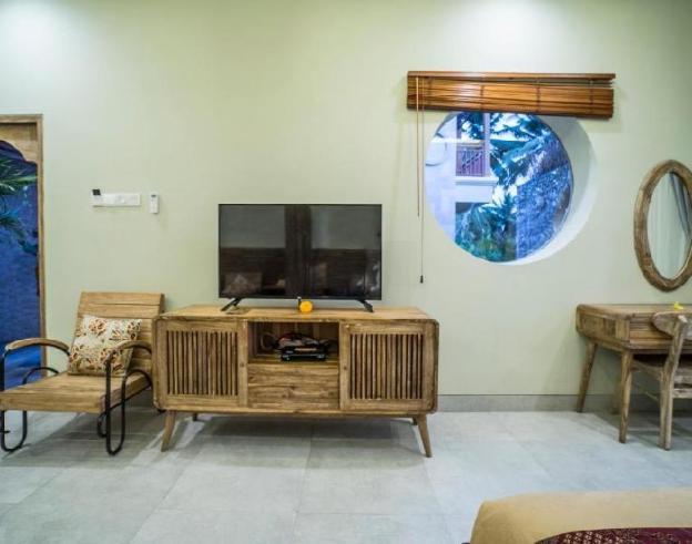 1 BR Deluxe Suite Room + Brkfst @ubud