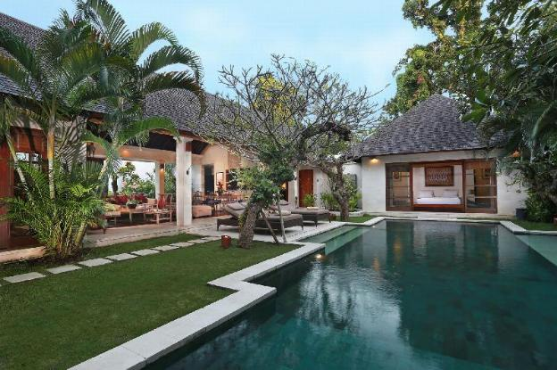 Four BR Villa with Private Pool + Brkfst @Seminyak