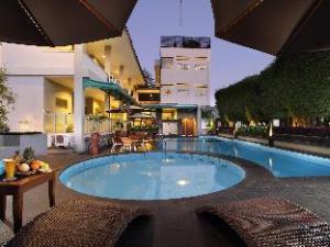 카크라 쿠수마 호텔  (Cakra Kusuma Hotel)