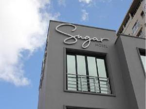 關於糖果飯店 (Sugar Hotel)