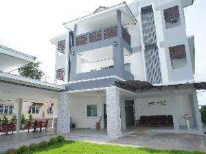Thanaphat Place