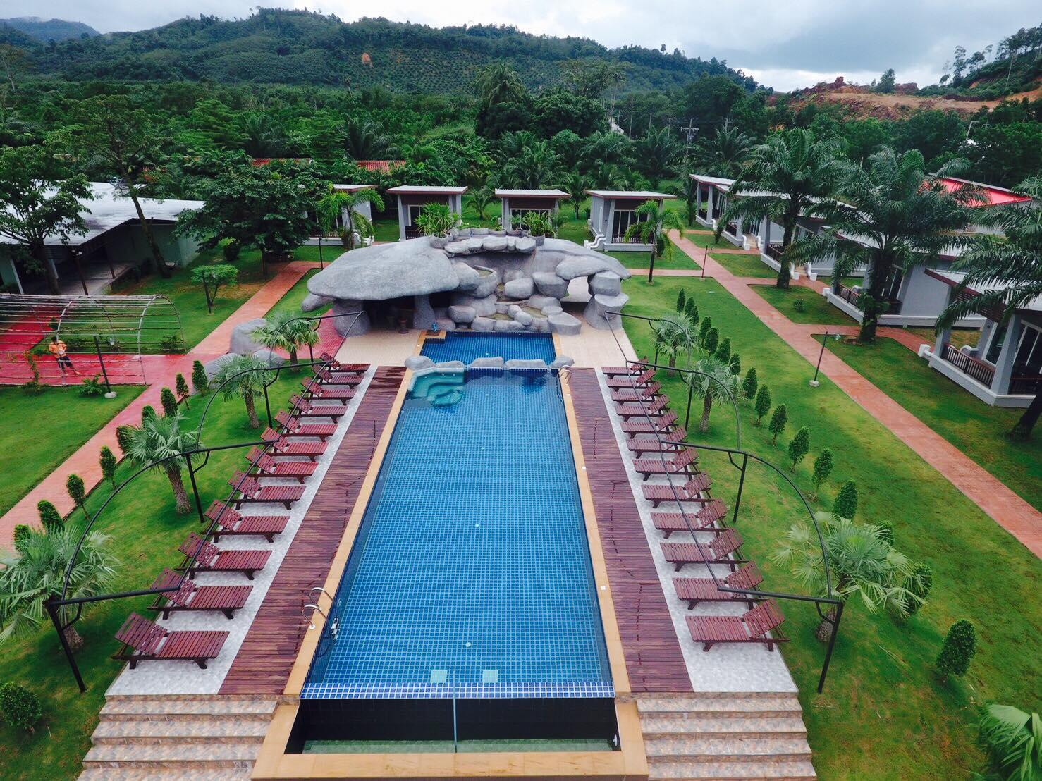 Khaolak Mountain View Resort
