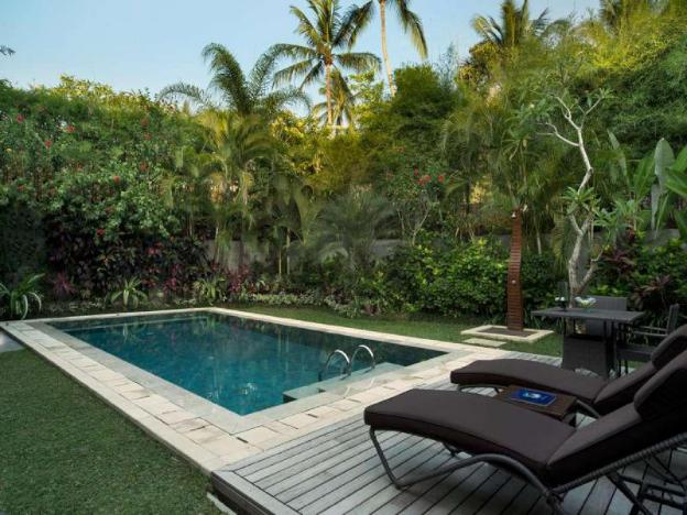 1 BR Luxurious Hill Side Villa + Private Pool + Breakfast