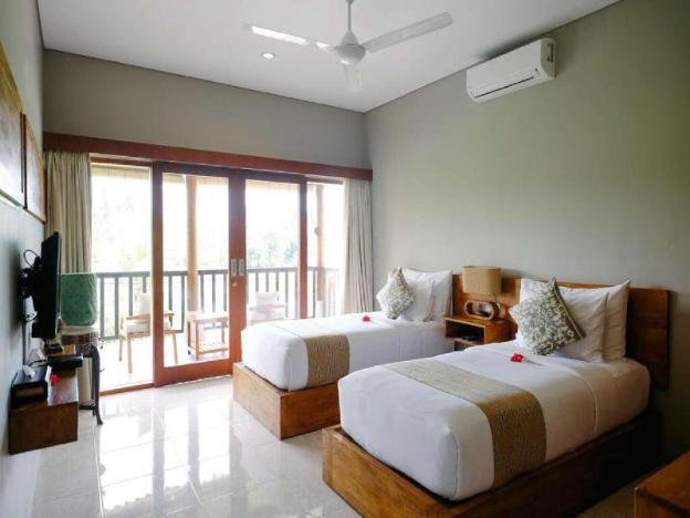 New Design Pool Villa 4BR & B'fast for family/friends