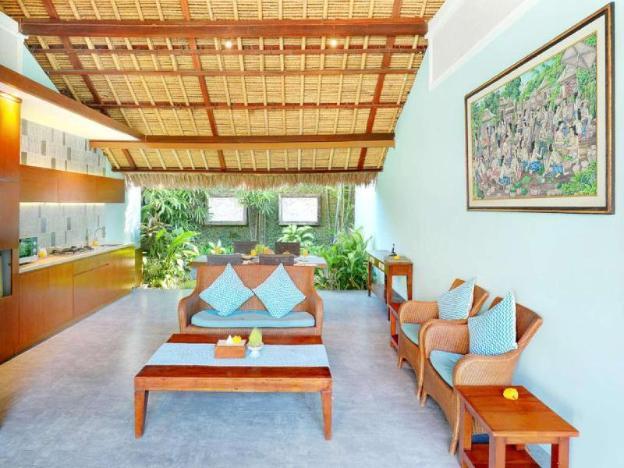 2 BR  Fabulous Villa with Garden View - Breakfast