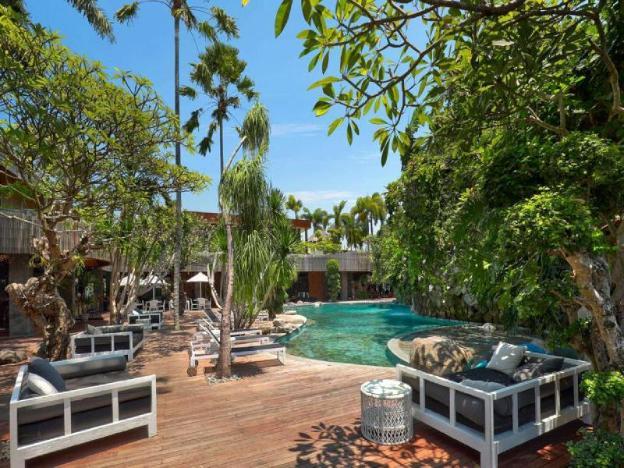 3 BR Fabulous Royal Pool Villa+modern Amenities+Bfast