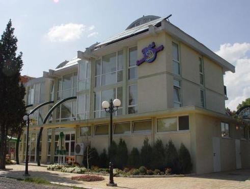 Sunny Day Club Hotel