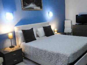 Suites Holiday Rooms