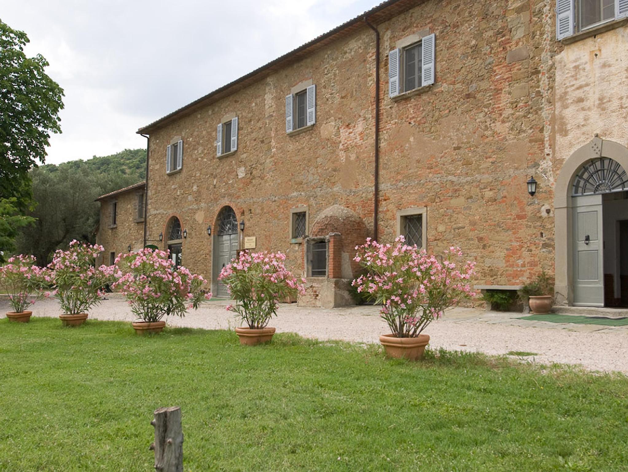 Antico Casale Di Montegualandro And SPA