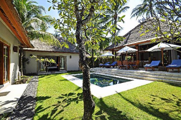 Two bedrooms villa with private pool, large landscape garden and kitchen