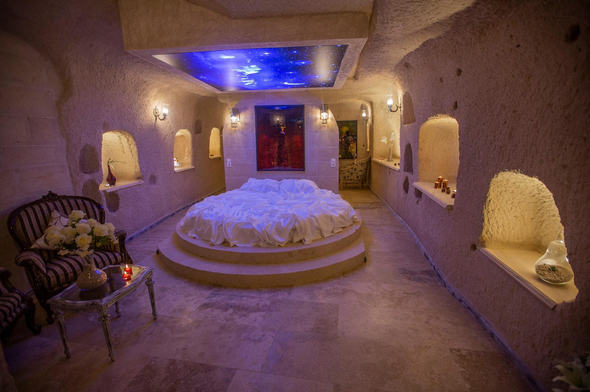 Karlik Cave Suite