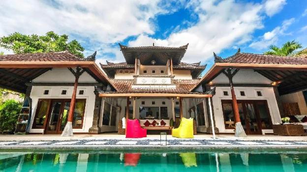 LUXURY Villa Batubelig BEACH (500m) at SEMINYAK