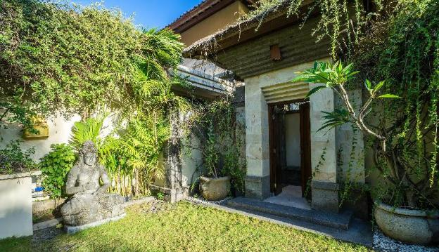 Entire house - 3 bedroom villa1 river side Legian