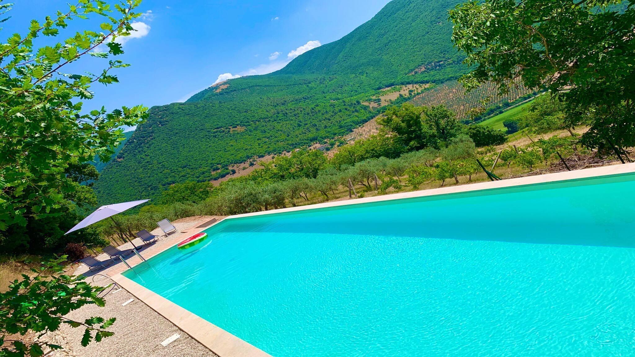 Luxury Luxury Luxury Silvignano Pool-side Villa Spoleto 8 km Rome 1 Hr