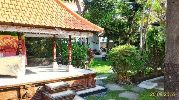 Kubu Van Helen Bali
