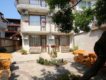 Kirios Hotel