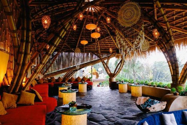 NewEarth Haven - Moonstone Crystal Eco Dome