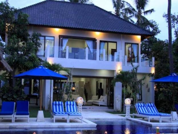 The Beach Front Villa 2
