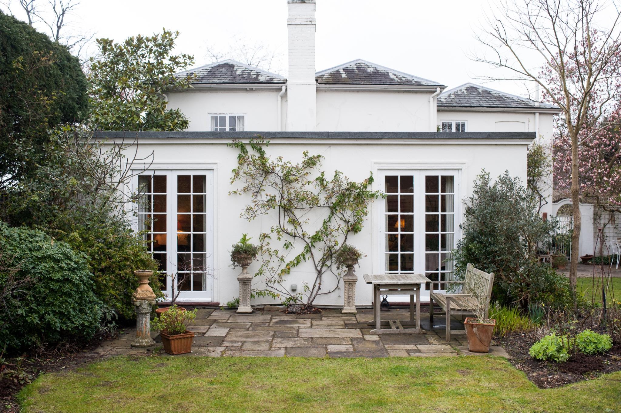 Veeve - Fox House