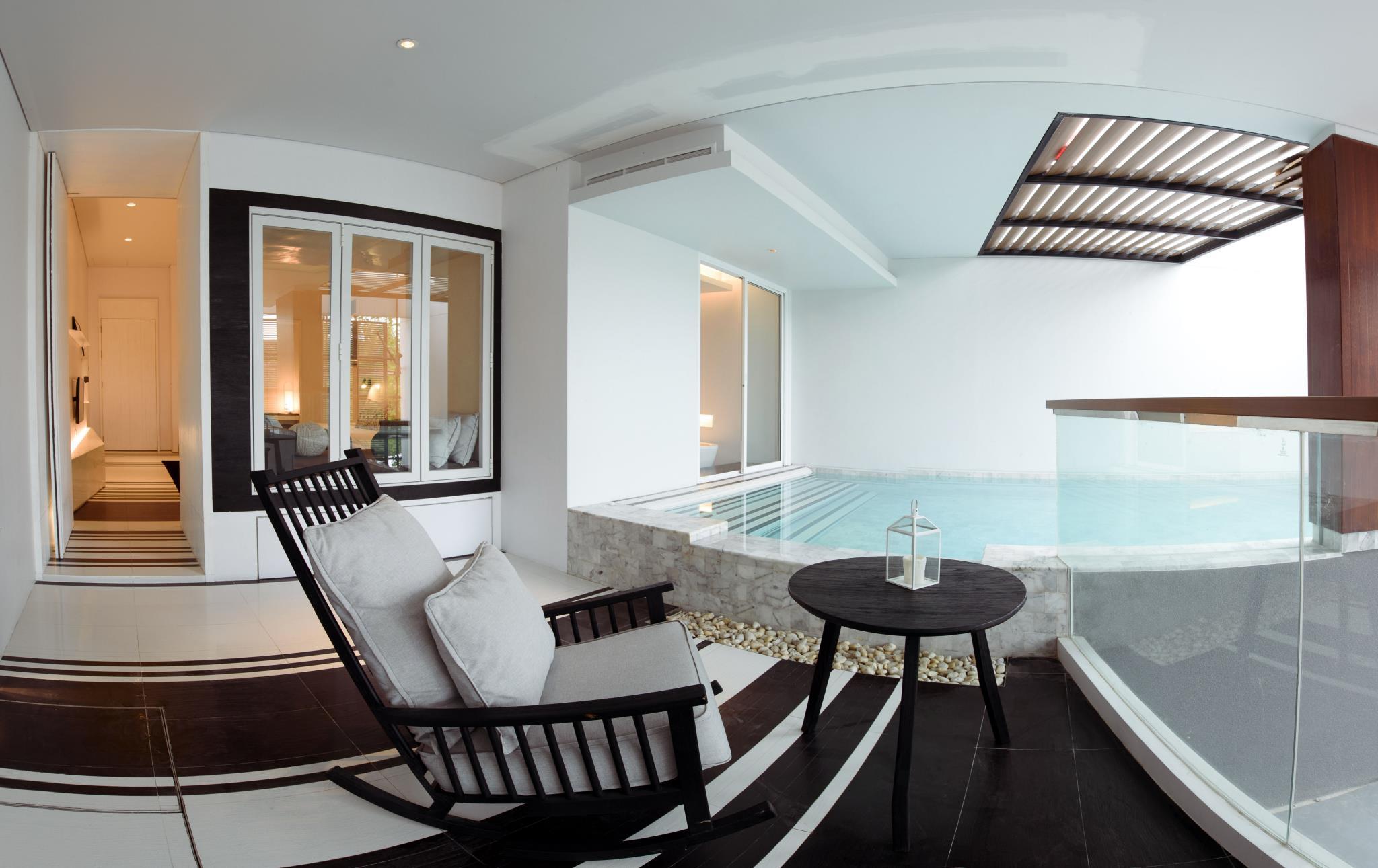 Veranda Pool Suite