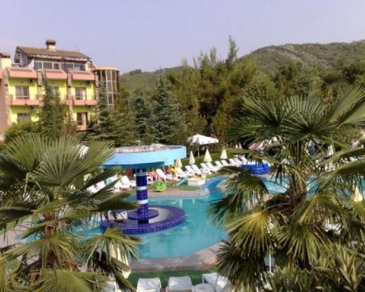 Riza Hotel Restorant