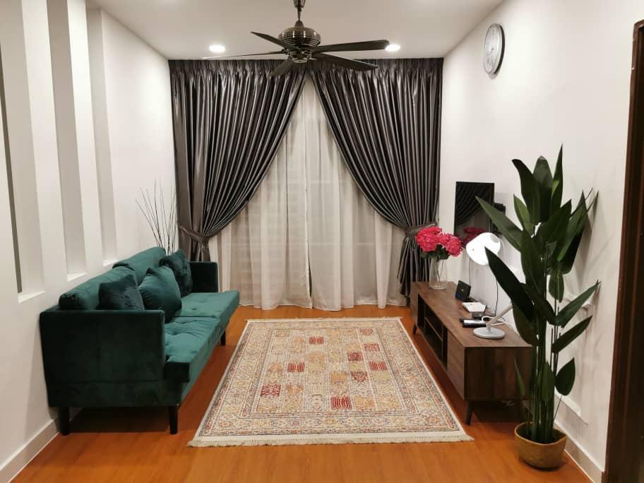 Cozy Homestay near UiTM Puncak Alam – FREE WIFI