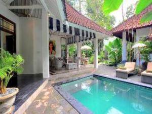 Villa Putih Sekali Seminyak