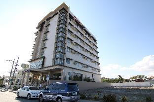 picture 1 of District 21 Hotel