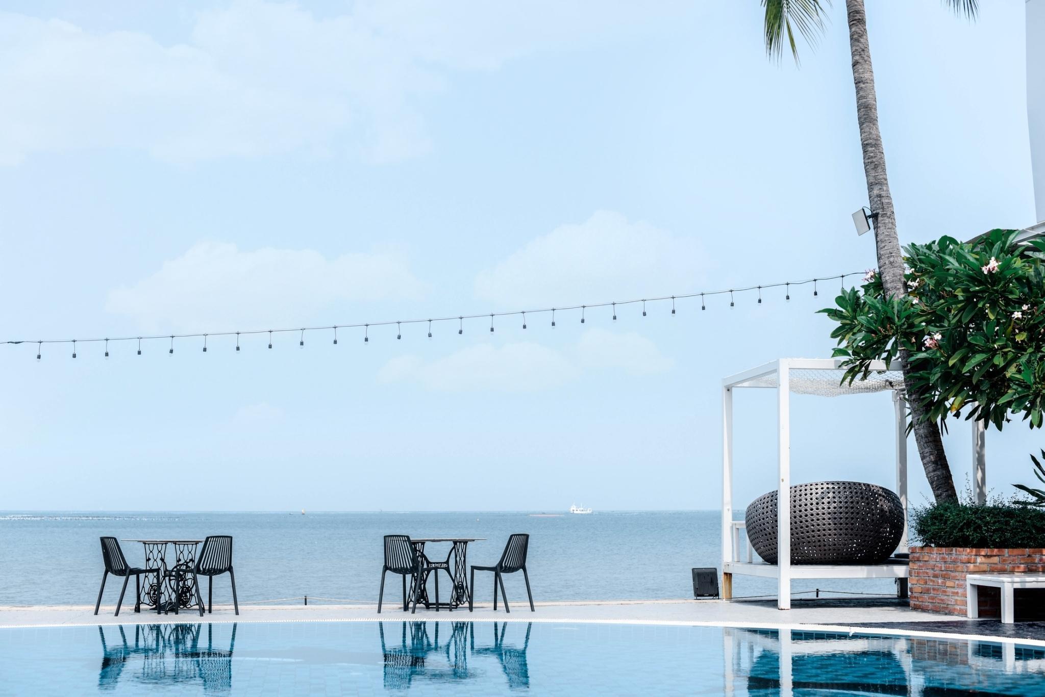 The Loft Seaside Sriracha Hotel โรงแรมเดอะ ลอฟต์ ซีไซด์ ศรีราชา