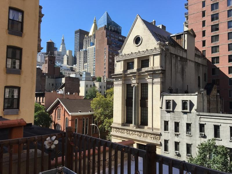 2 Bedroom 2 Bathroom Apartment With Roofdeck