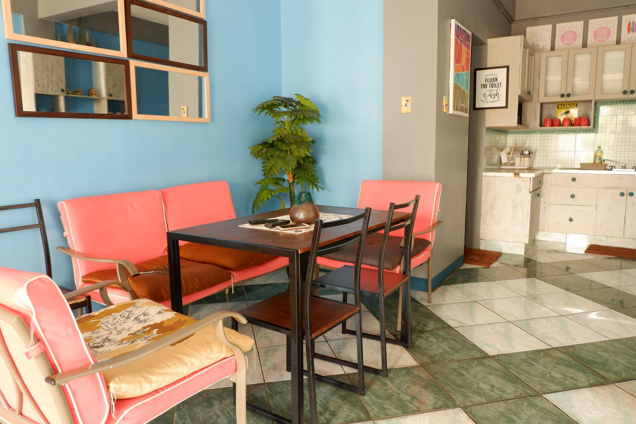 Country Living Hostel   Tagaytay Center